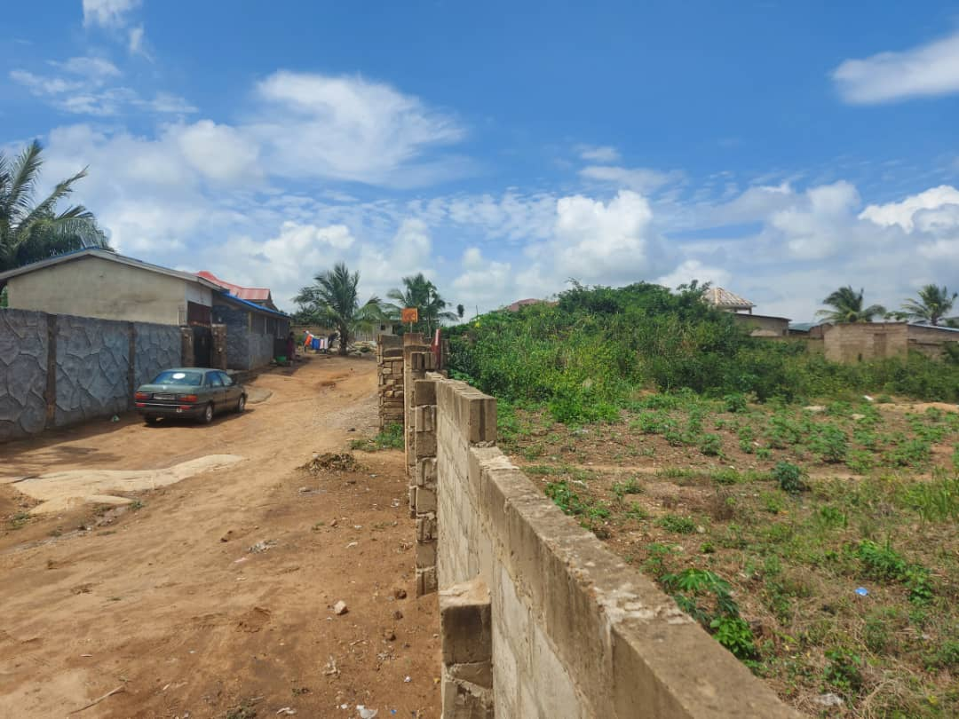 1 Acre Plot For Sale at Kasoa Semanhyia