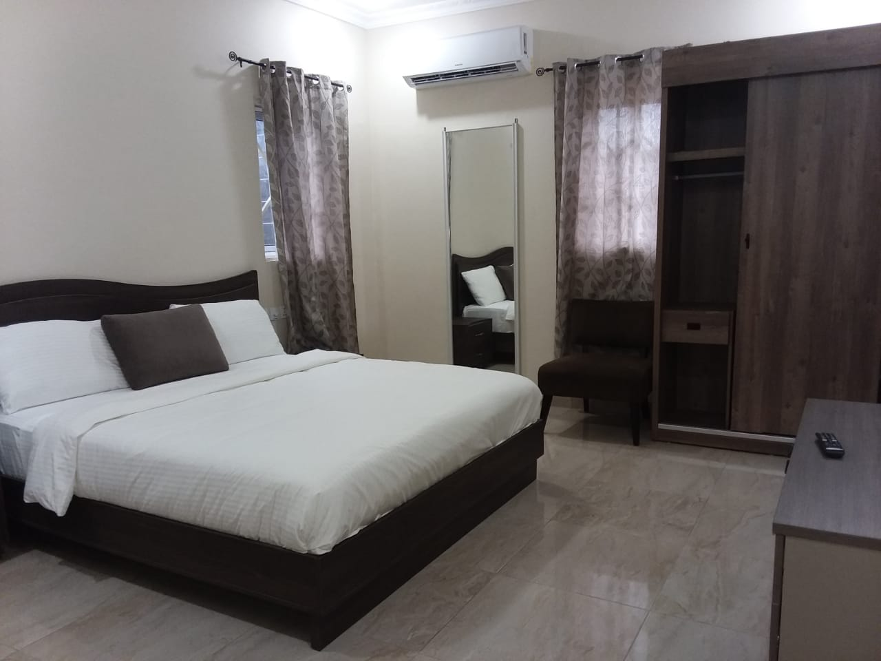 Three Bedroom Furnished Town House for Rent at Community 25