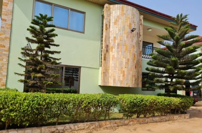 4 BEDROOM HOUSE WITH 3 AND A HALF BATH ROOMS FOR SALE