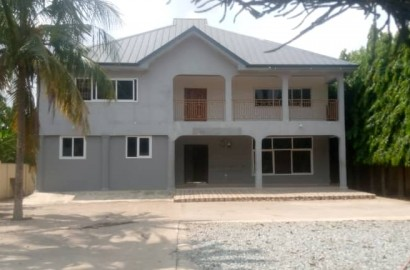 5 Bedroom Storey House for rent
