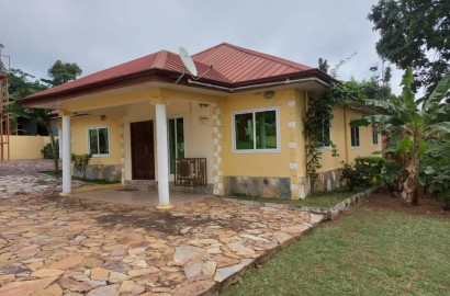 3 Bedroom House with 1 Bedroom Outhouse for Rent