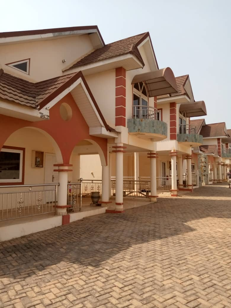 4 units of 4 Bedroom Townhouses  for sale
