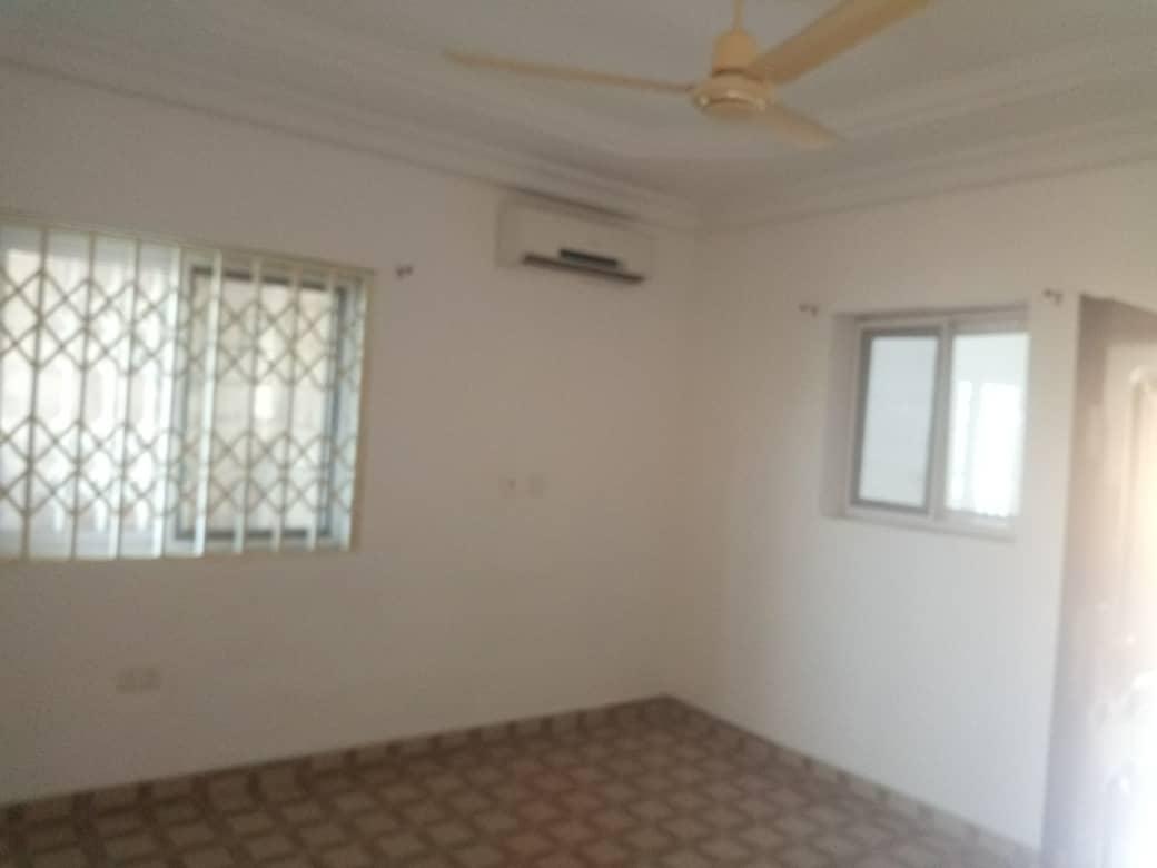 2 Bedroom Apartments for rent in Adjiriganor