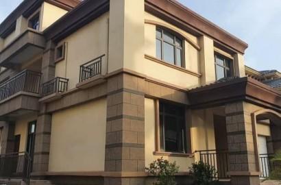 Fully furnished 5 Bedroom En suite House for Sale