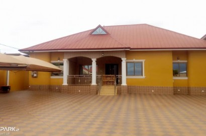 8 bedroom house for sale