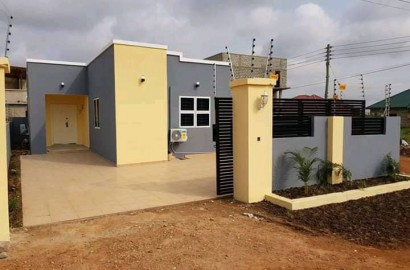 2 Bedroom House in a mini-Gated community for sale