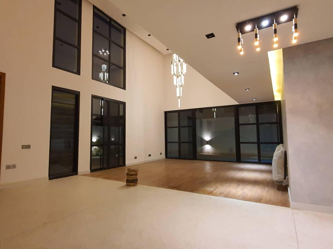 4 Bedrooms House with 2 Bedroom Boys Quarters Available for Sale