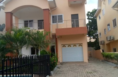 Ensuite 5 Bedroom House in a Gated Community for rent
