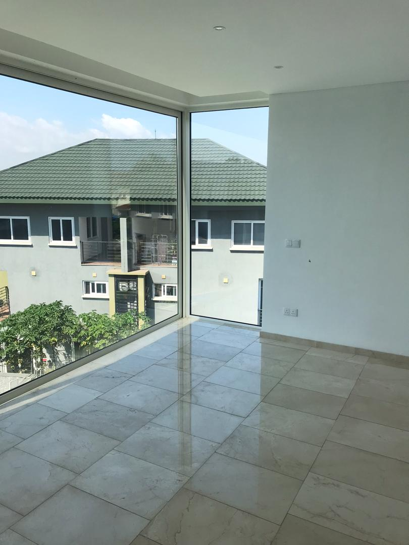 3 Bedroom Townhouse with 1 Bedroom Staff Quarters Available for Rent