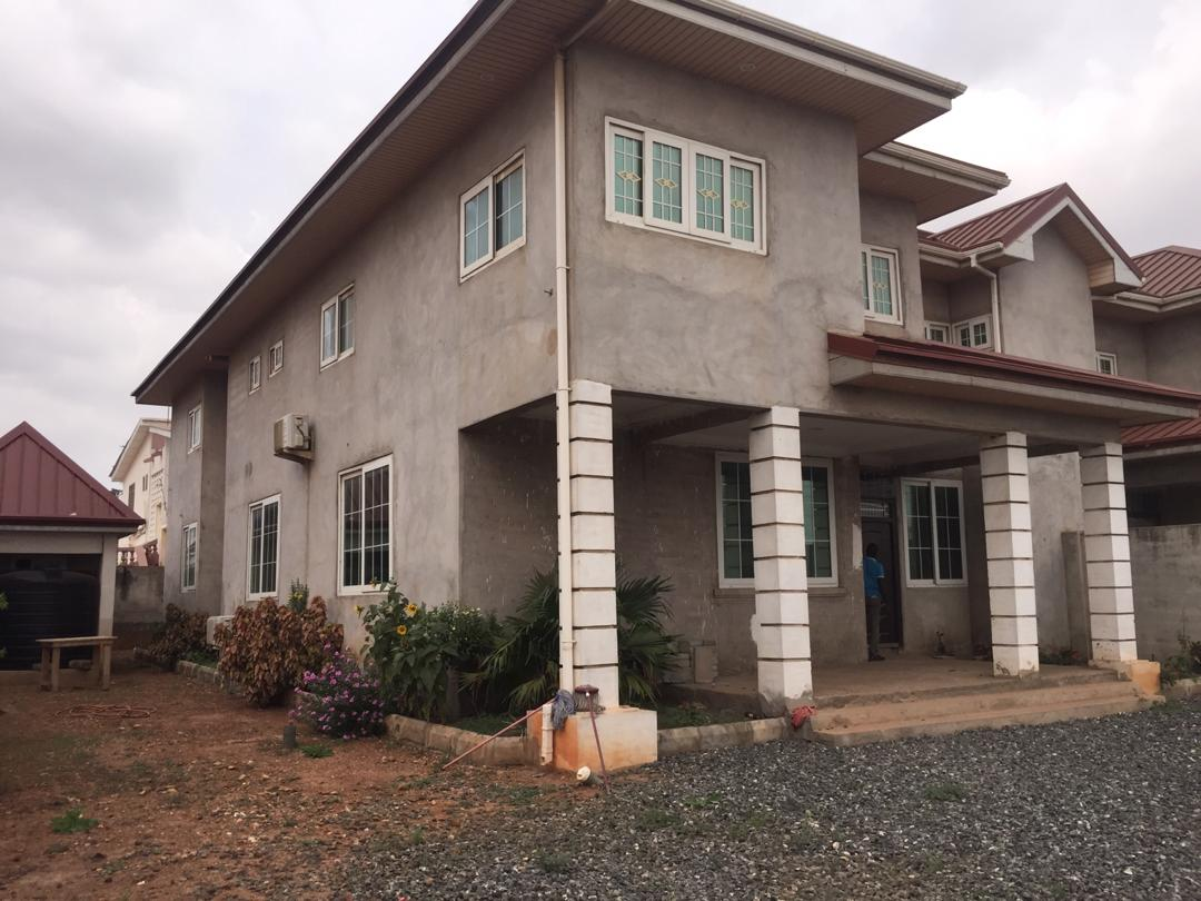 4 Bedroom House with 1 Bedroom Boys Quarters for Rent