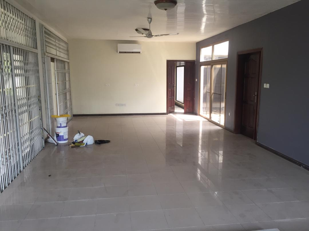Ensuite 4 Bedroom House with 2 Room BQ & swimming pool for rent