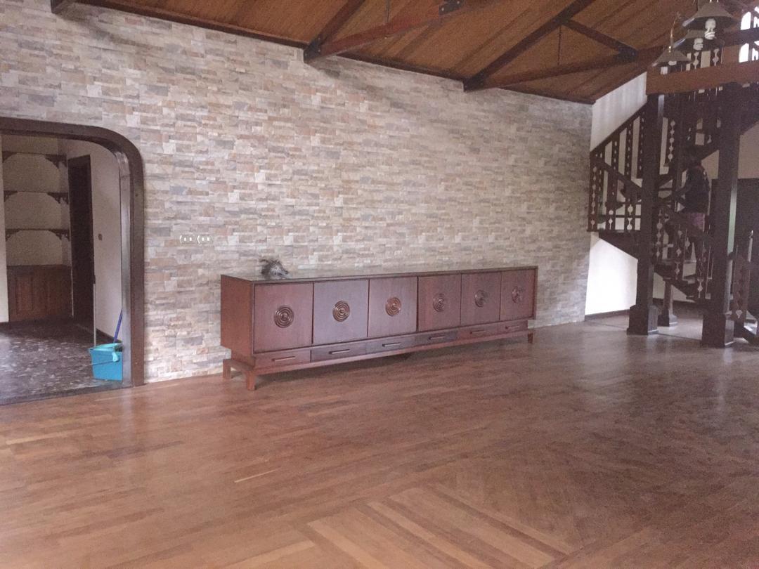 5 Bedroom House with 2 Bedroom BQ for rent