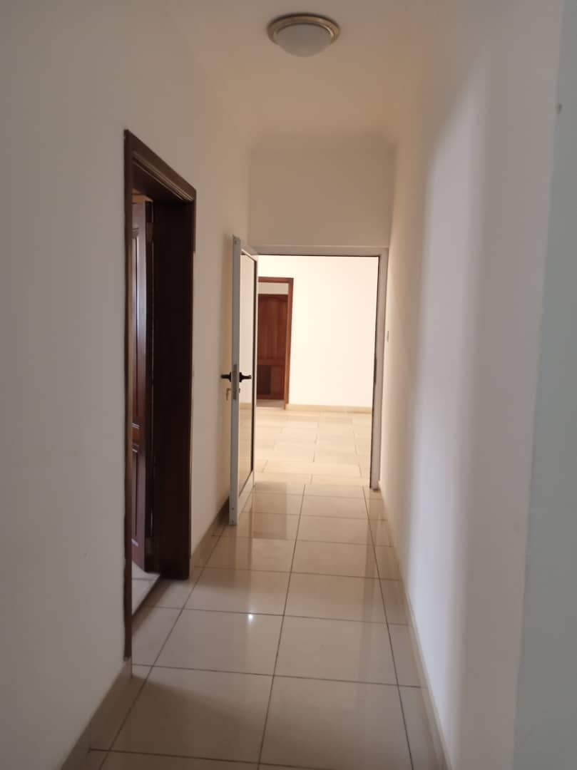 4 bedroom house with 2 Room BQ for rent