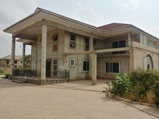 5 Bedroom ensuite house for sale