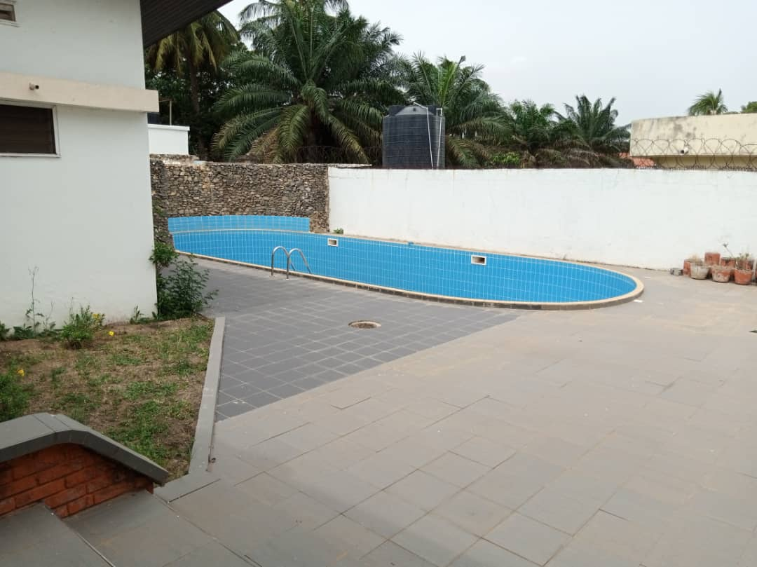 6 bedroom house with 3 Room BQ and swimming pool for rent