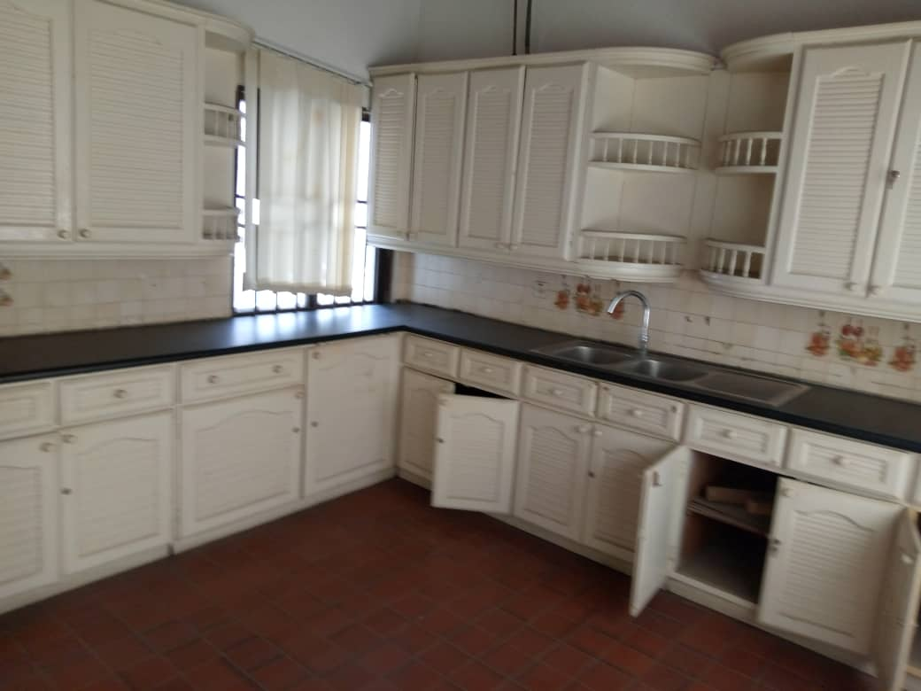 9 bedroom house for rent