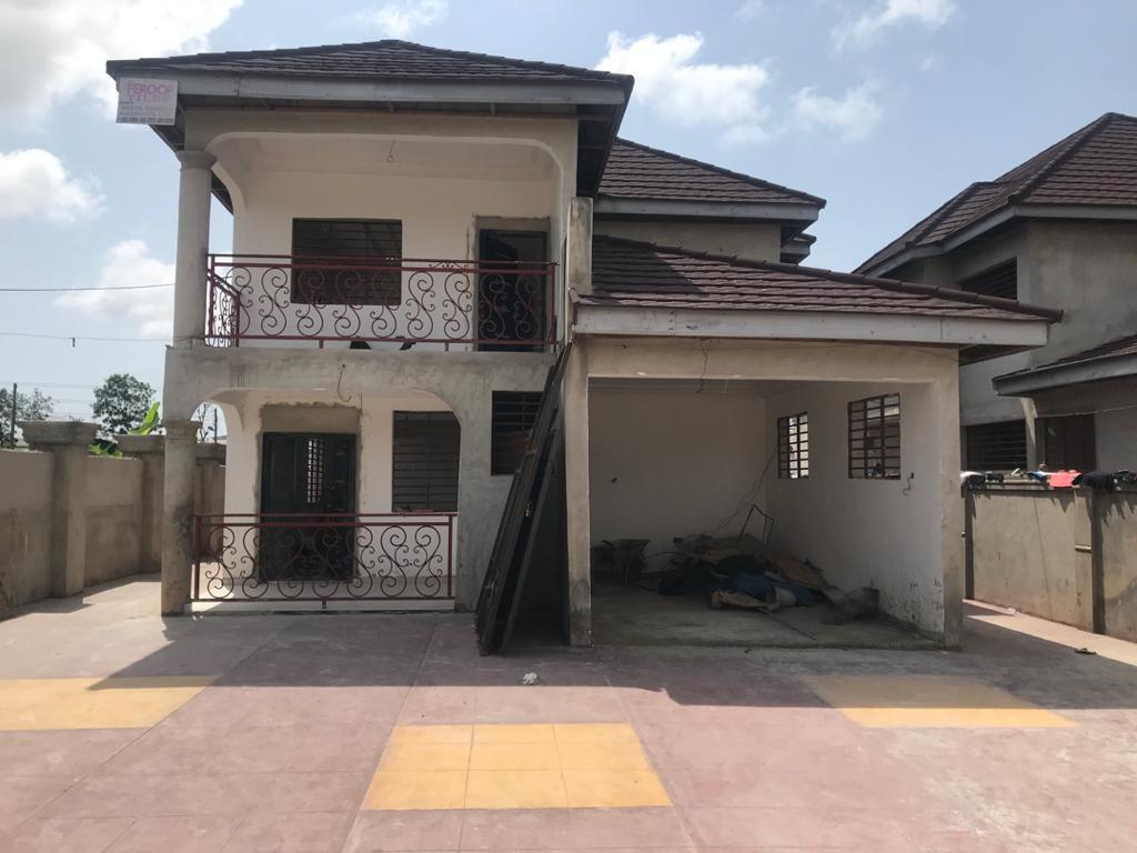 4 Bedroom House with 1 Room BQ for rent