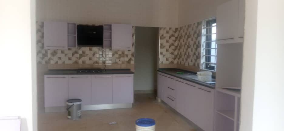 Ensuite 3 bedrooms semidetached house for sale