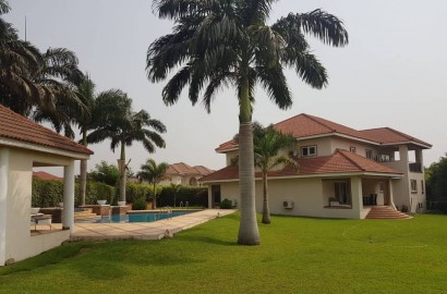 5 bedroom self-compound house with Boys' Quarters for sale