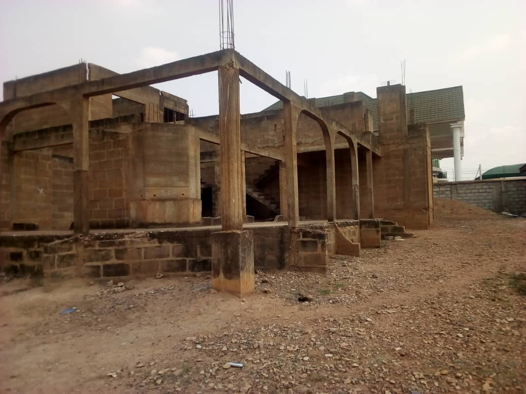 Uncompleted 9 Bedroom House for sale