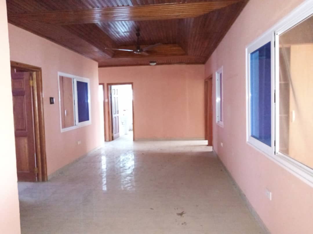 5 Bedroom House with 2 Room BQ for rent