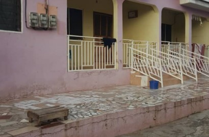 9 Bedroom Storey House with 4 Bedroom Boy's Quarters for Sale in Kumasi