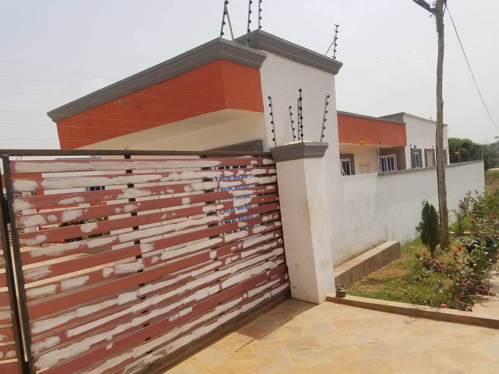 3 Bedroom Detached House for Sale in Kumasi