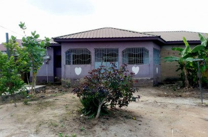 A 3 Bedroom House with an Uncompleted Boys' Quarters For Sale