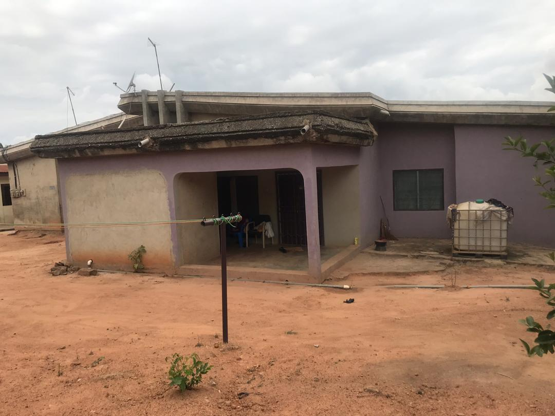 5 Bedroom House With a 2 Bedroom Boys' Quarters for sale