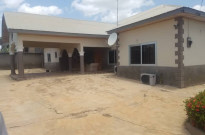 5 Bedroom House with a Water Fountain for Sale in Kumasi
