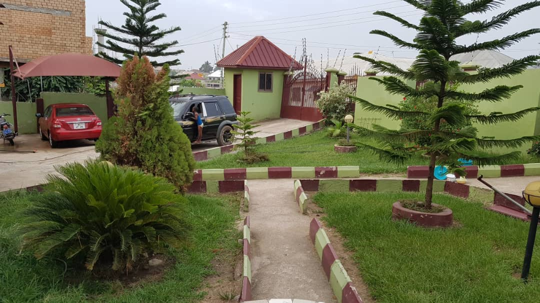 A 5 Bedroom House with Summer Hut For Sale in Kumasi
