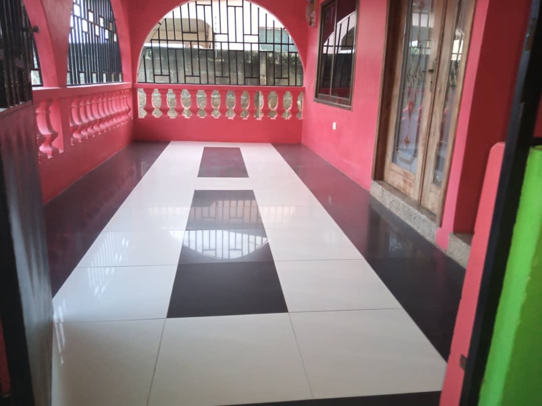 5 Bedroom House with Uncompleted 8 Bedroom Flat BQ for Sale