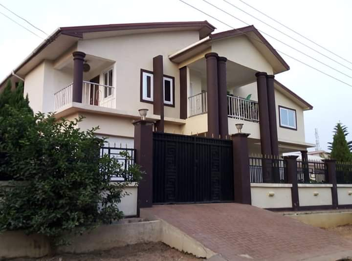 6 Bedroom  House for Sale, Kokoben New Site