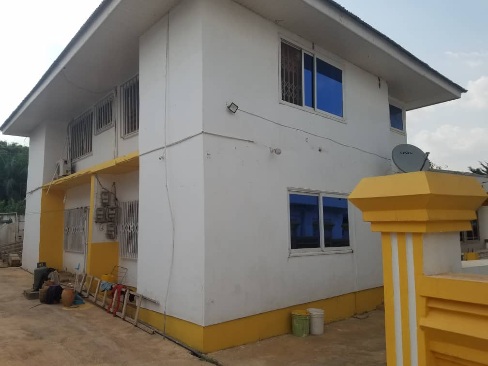 7 Bedroom House for Sale in Kumasi
