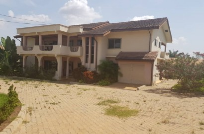 Ensuite 5 Bedroom Semi-Furnished House for Rent