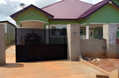 En-suite 6 Bedroom House for Sale in Kumasi