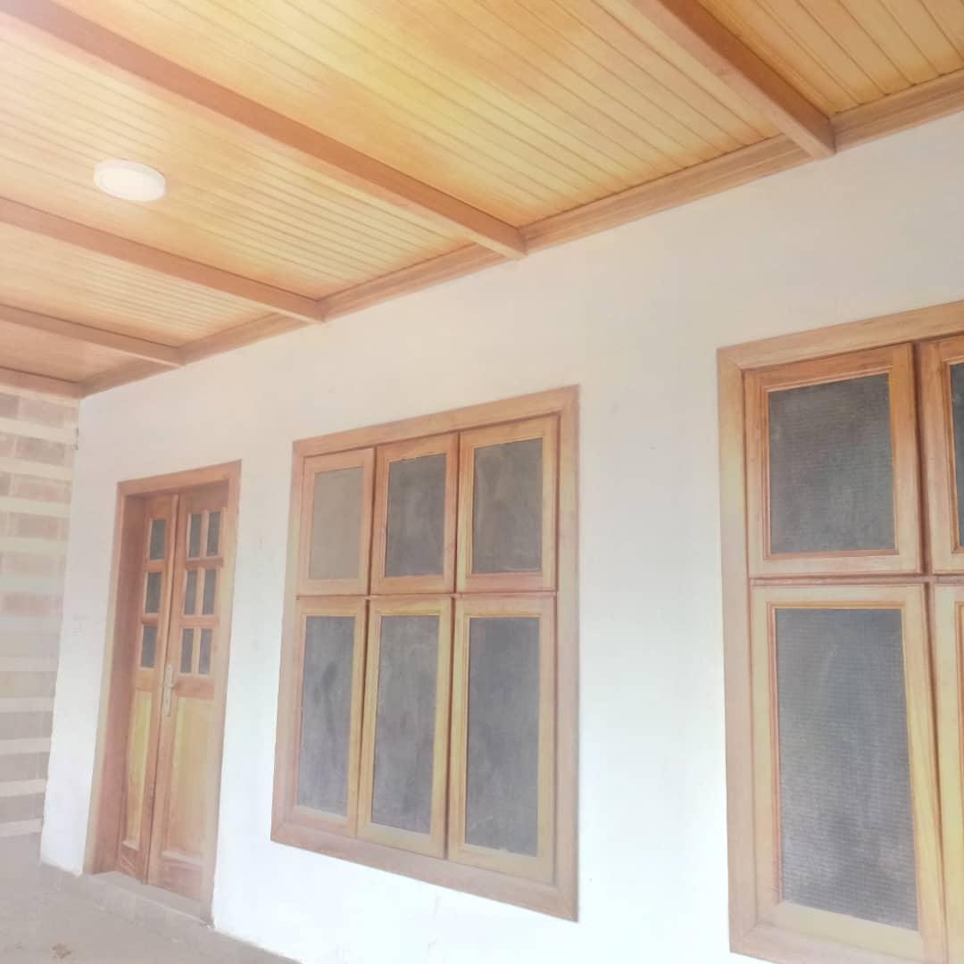 En-suite 5 Bedroom House with 3 Bedroom Boys' Quarters for Sale in Kumasi