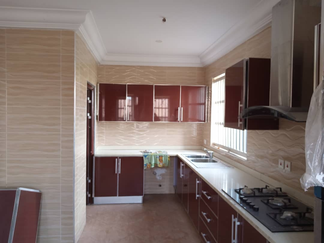 Executive 5 Bedroom En-suite Storey House at a Prime Location in Kumasi