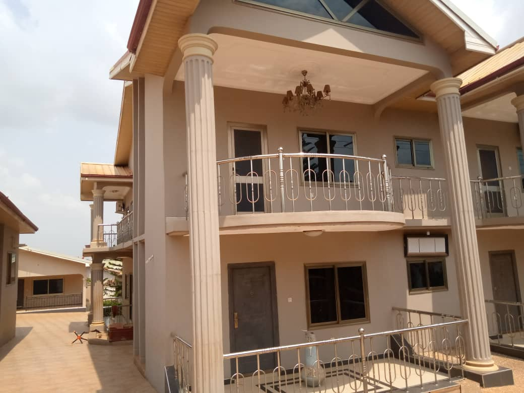 Executive 6 Bedroom Storey House for Rent