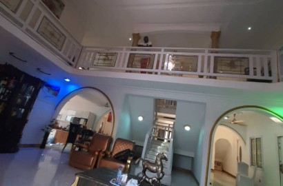An executive 9 bedroom furnished storey house for sale