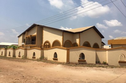 Executive 9 Bedroom House for Rent in Kumasi