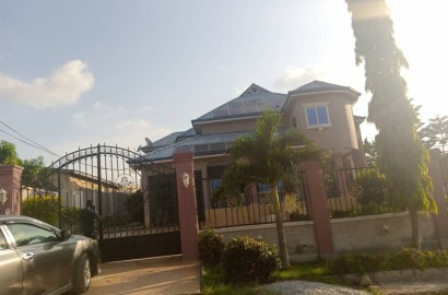 Plush 5 Bedroom En-suite House for Sale