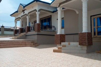 Plush 7 Bedroom House for Sale