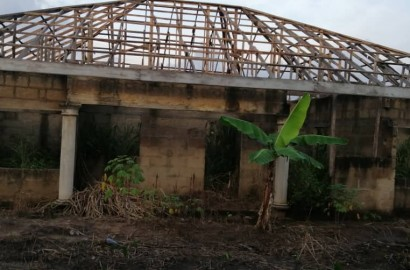 Uncompleted 4 bedroom en suite house for sale