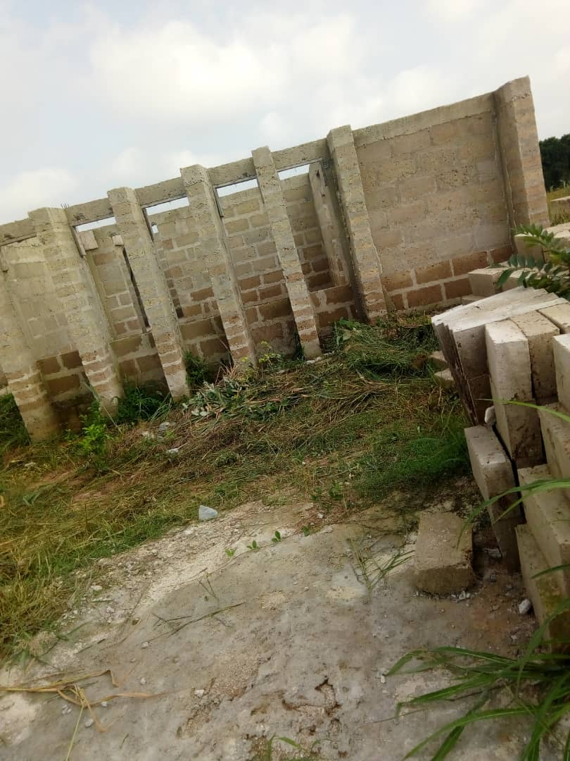 Uncompleted 5 bedroom house for sale