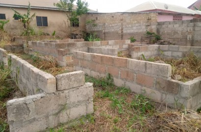 Uncompleted 6 Bedroom House for Sale in Kumasi