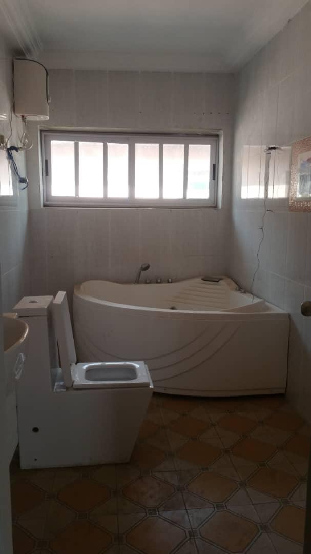 5 bedroom storey  for rent
