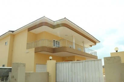 5 Bedroom House with 2 Bedroom Boys Quarter Available for Sale