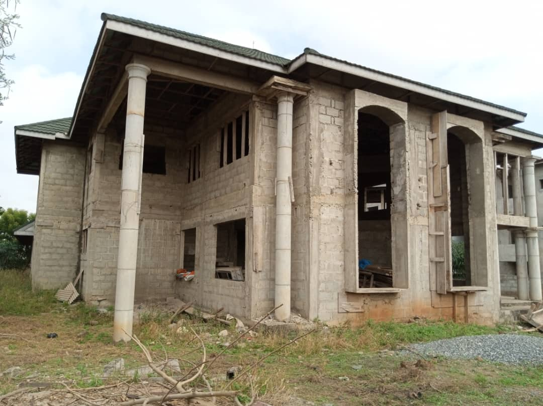 Uncompleted 7 Bedroom House for sale