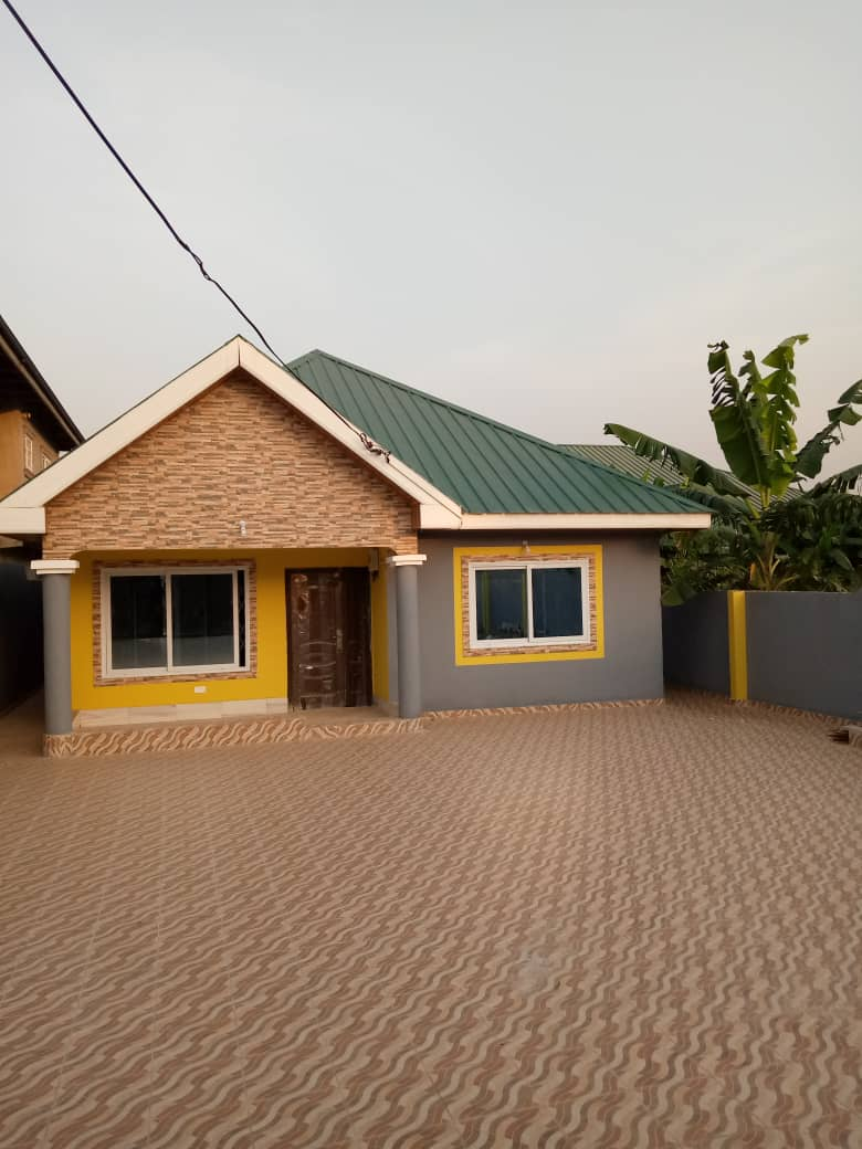 Newly built 3 bedroom house for rent